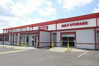 iStorage Auburndale on Magnolia Main Building