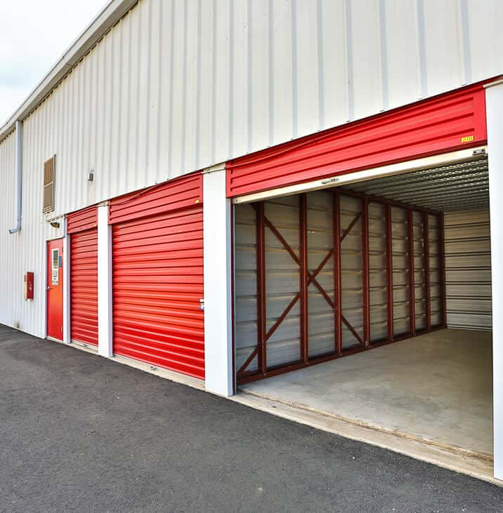 IStorage Burlington Mitchell Drive Up Self Storage