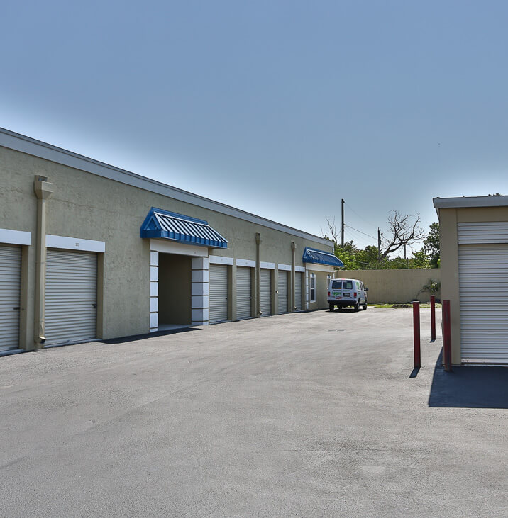 iStorage Fort Lauderdale Drive Up Self Storage & Rent Storage Units @ 540 SW 27th Ave Fort Lauderdale FL