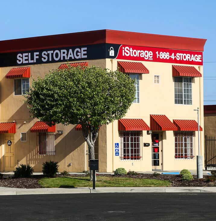 iStorage Santa Maria Self Storage Facility