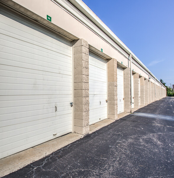Storage Units In Troy Mi At 1320 E Big Beaver Rd Istorage