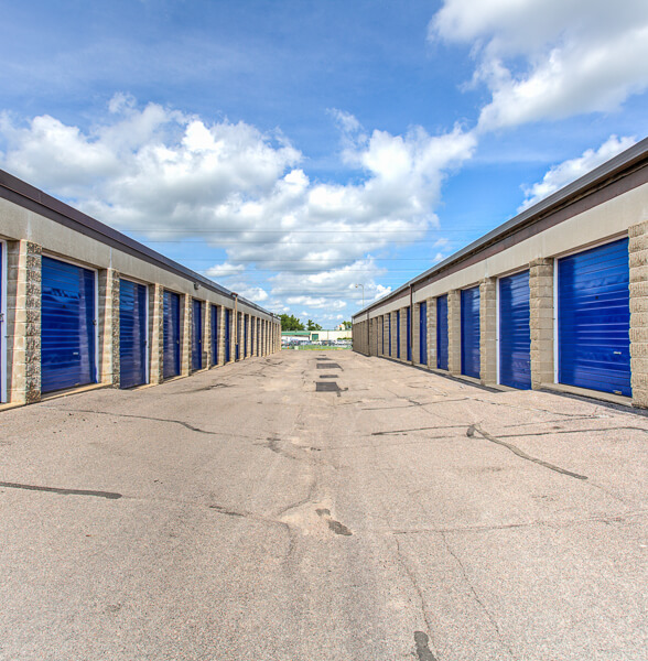 iStorage Burnsville Drive Up Storage Units