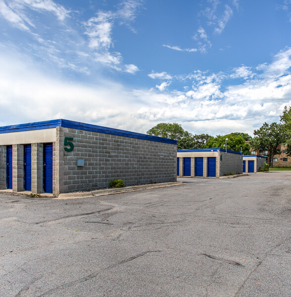 Storage Units In Coon Rapids Mn At 9154 University Ave Nw