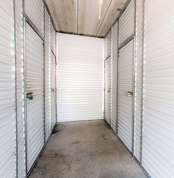 Storage Units In St Louis Park Mn At 5605 Cedar Lake Rd S