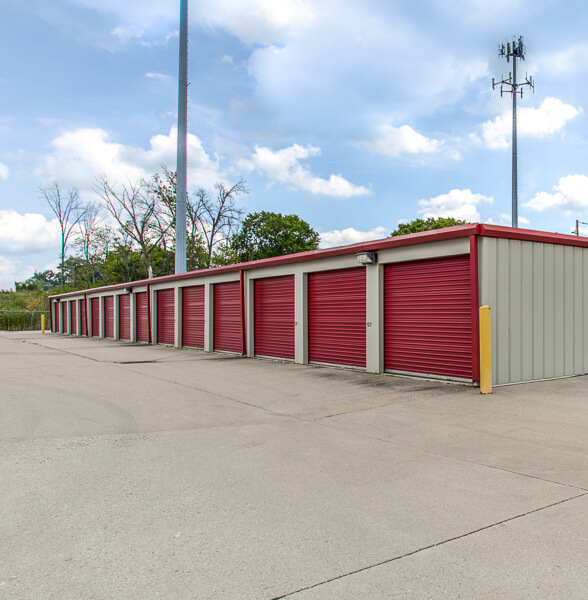 iStorage Blue Ash Self Storage Facility